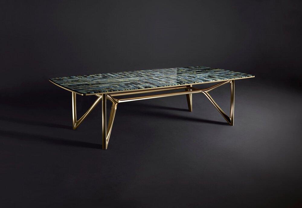 蓝虎眼桌子